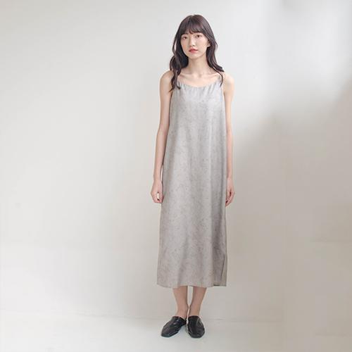 The Madre 質感大理石紋細肩帶洋裝 【兩色】