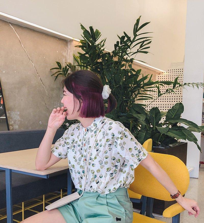 Taru Shorto 中國式立領軟棉滌綸質短袖上衣 : 白,綠色
