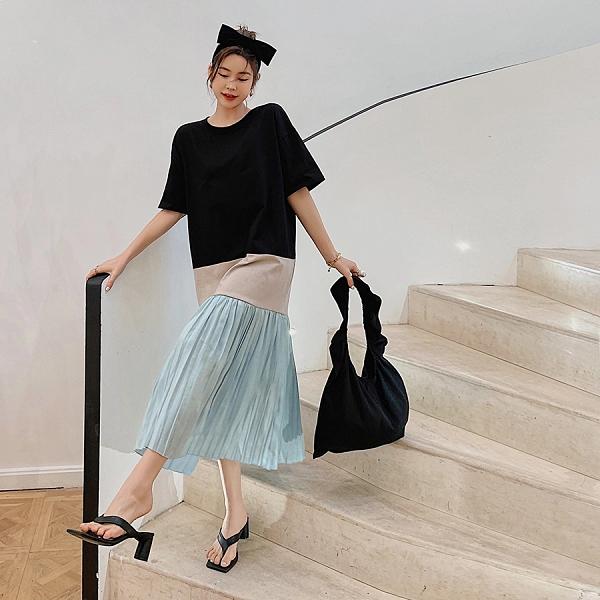 洋裝 韓系春夏寬鬆拼接壓褶百摺裙擺短袖連身長裙 共1色 L-3XL 依二衣