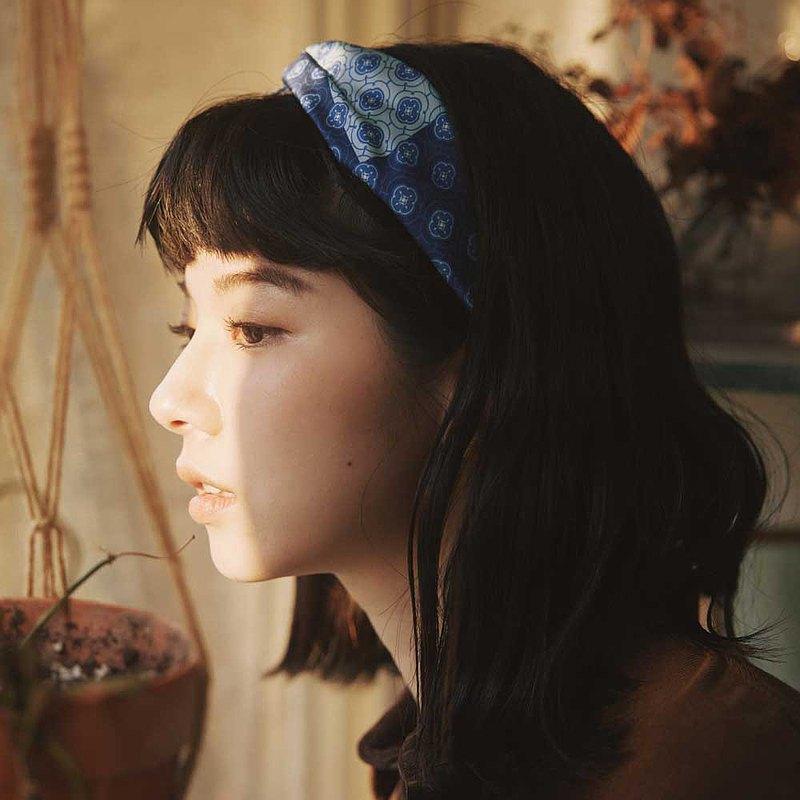 絲巾款髮帶/玻璃海棠3號/經典藍褐