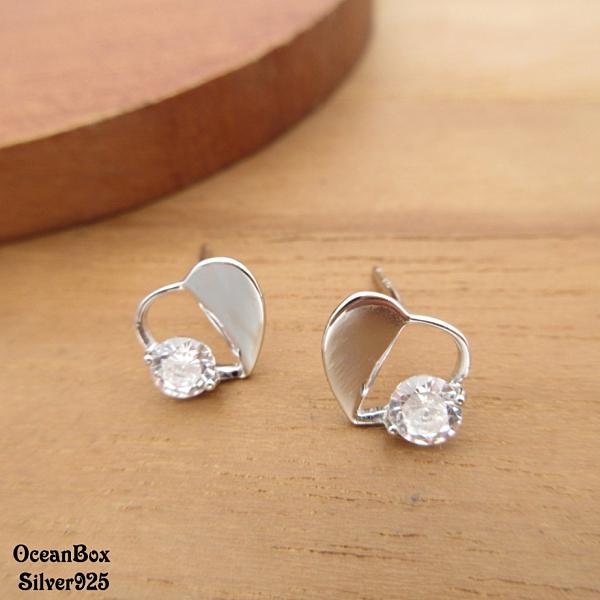 §海洋盒子§可愛輕巧不對稱愛心鋯石925純銀耳環 (外鍍專櫃級正白K.貼耳耳環)