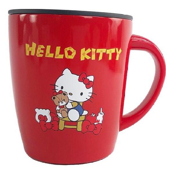 小禮堂 Hello Kitty 單耳不鏽鋼杯 附蓋 保溫馬克杯 咖啡杯 保溫杯 380ml (紅 小熊) 4901610-49033