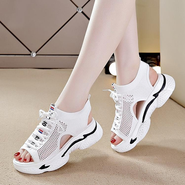 女鞋運動涼鞋2021夏季新款鏤空網鞋透氣舒適百搭厚底鬆糕休閒鞋子 快速出貨