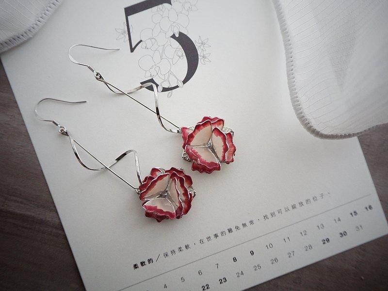 慈愛 康乃馨垂墜式樹脂耳環