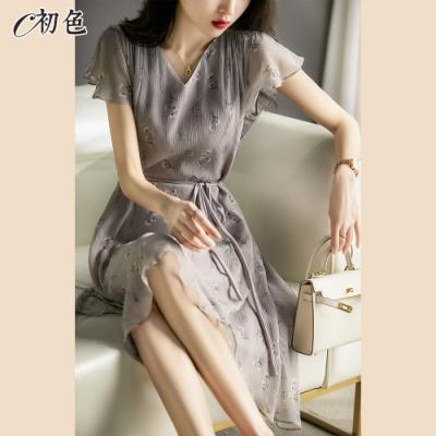 初色  印花V領雪紡洋裝-灰紫色-(M-XL可選)