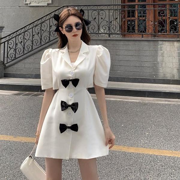 泡泡袖洋裝 西裝連身裙女蝴蝶結泡泡袖白色短袖裙子2021夏季新款法式復古短裙 小天使 99免運
