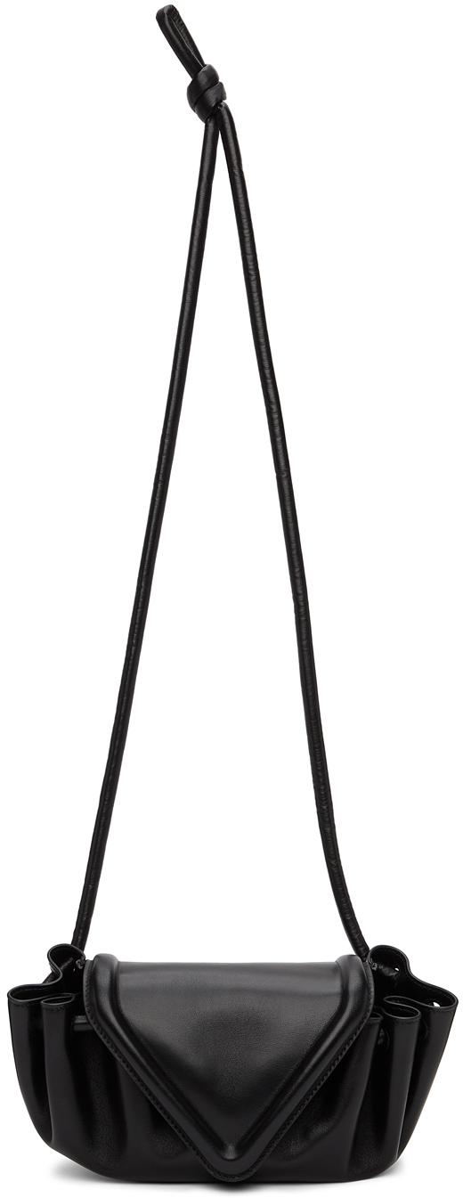 Bottega Veneta 黑色小号 Beak 单肩包