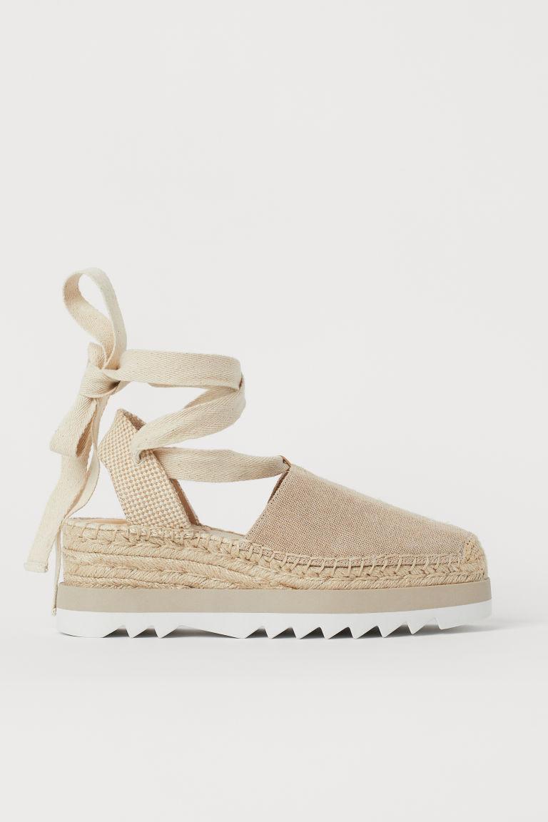 H & M - 綁帶草編鞋 - 米黃色