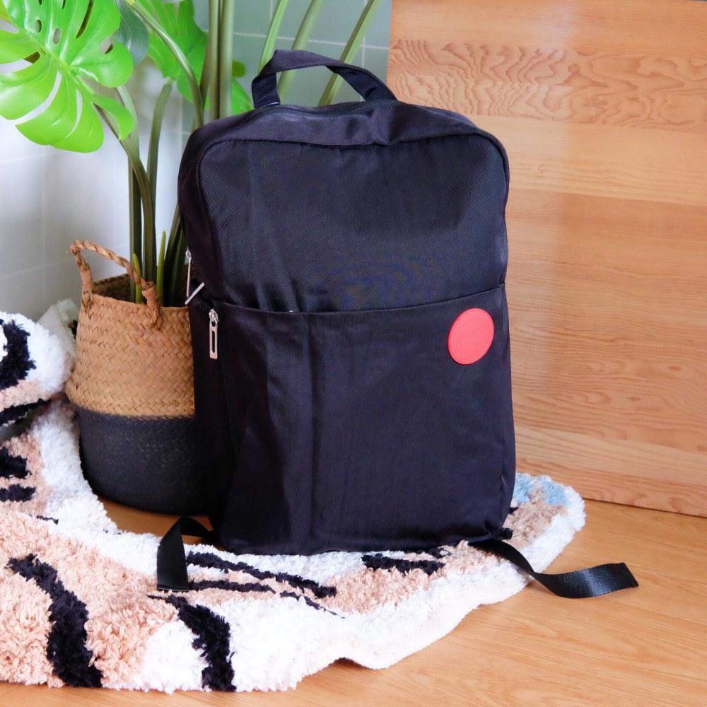 《蠟筆小新》日本商品 小新防水後背包 多層收納 筆電包 書包 機能背包