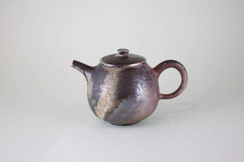 三色梨型茶壺 鶯歌名家葉敏祥柴燒作品