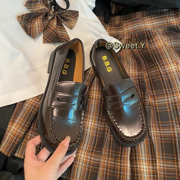 英倫風小皮鞋 基礎款JK制服鞋日系英倫學院風百搭軟皮樂福單鞋平底學生小皮鞋女 摩可美家