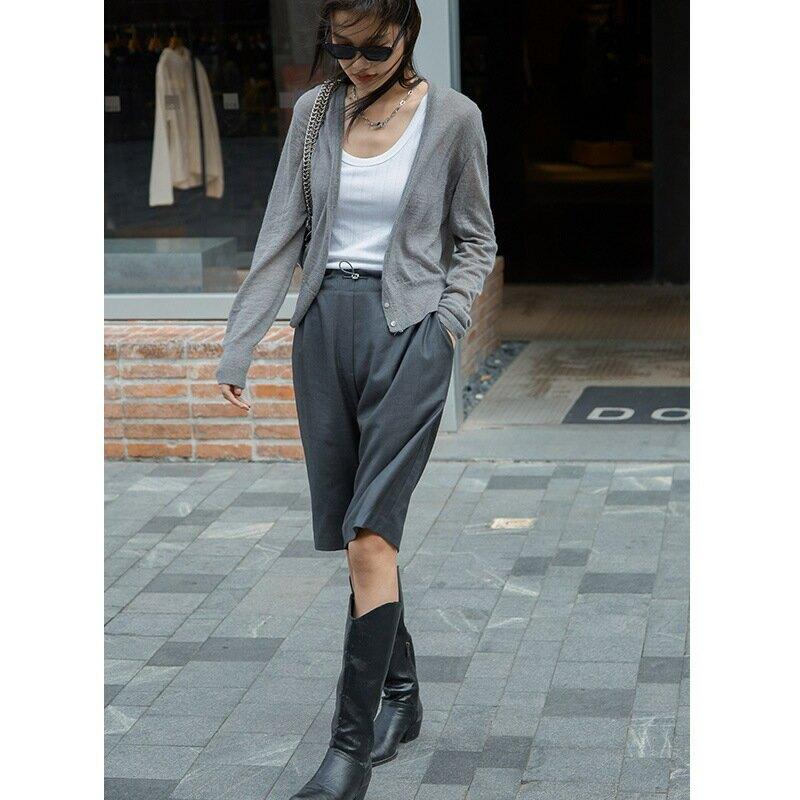 2021新款女裝韓版簡約時髦氣質短款上衣外套女針織深V領開衫