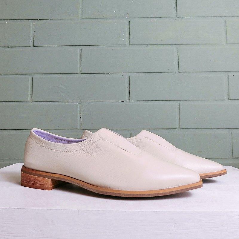 簡約小方頭真皮紳士鞋 ||悉尼的卡布奇諾 牛奶白|| 8323