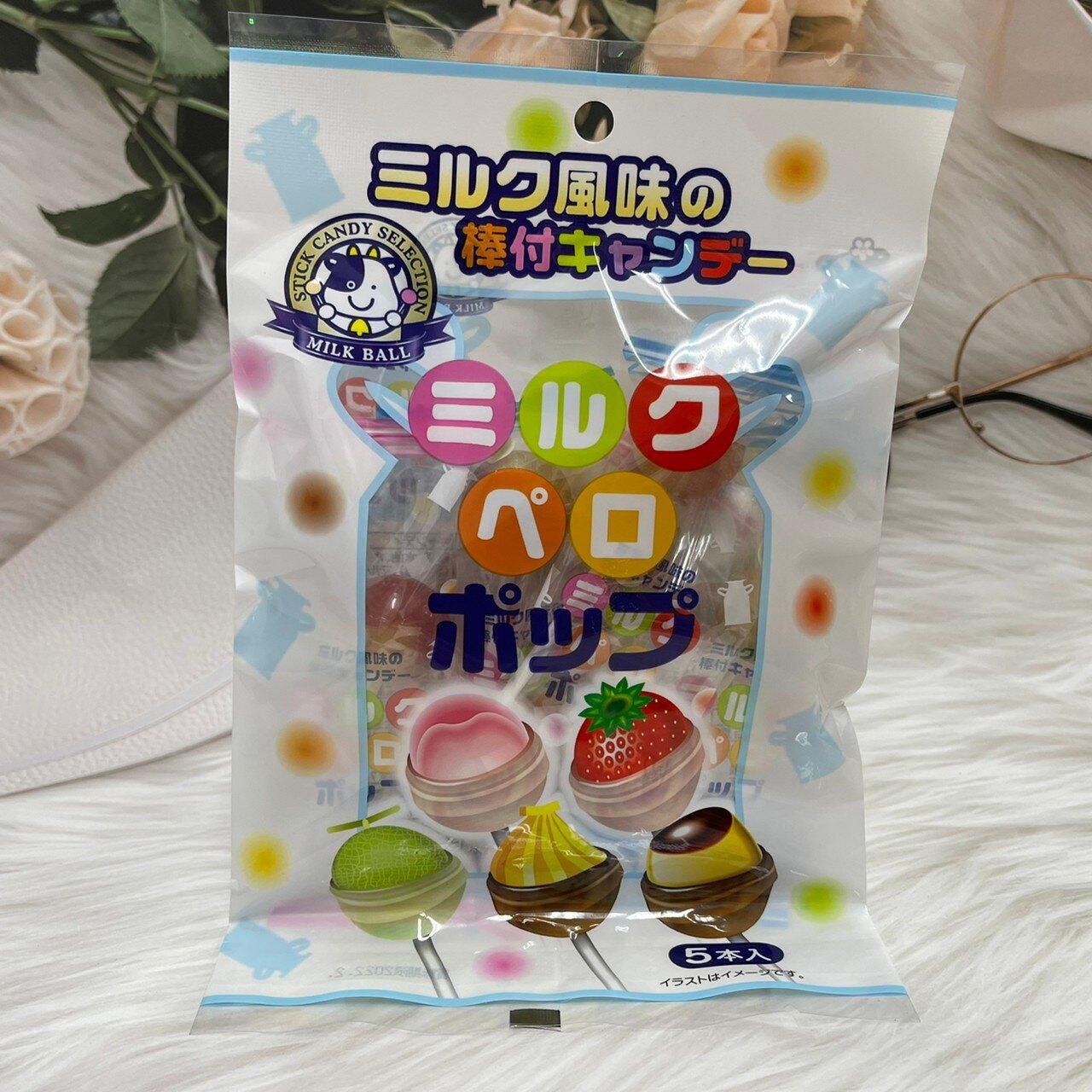 日本 秋山 綜合水果牛奶棒棒糖 50g 5本入 白桃/草莓/哈密瓜/香蕉/布丁 五種口味