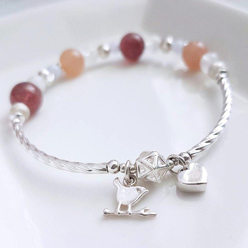 青鳥來了。草莓晶x月光石x紫龍晶   925純銀創作手環