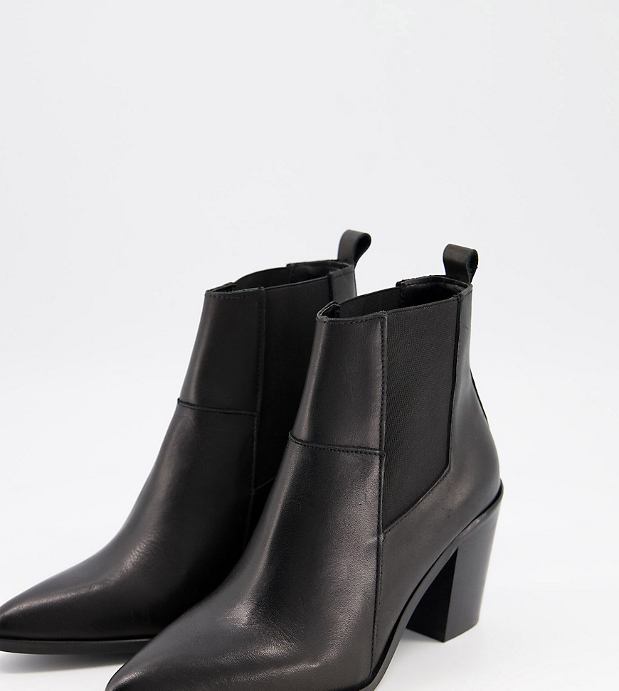 Depp wide fit boots in black leather