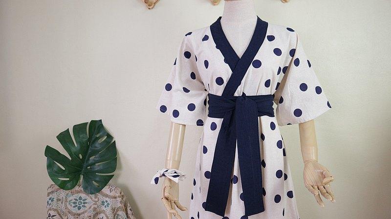 和服連衣裙(圓點)
