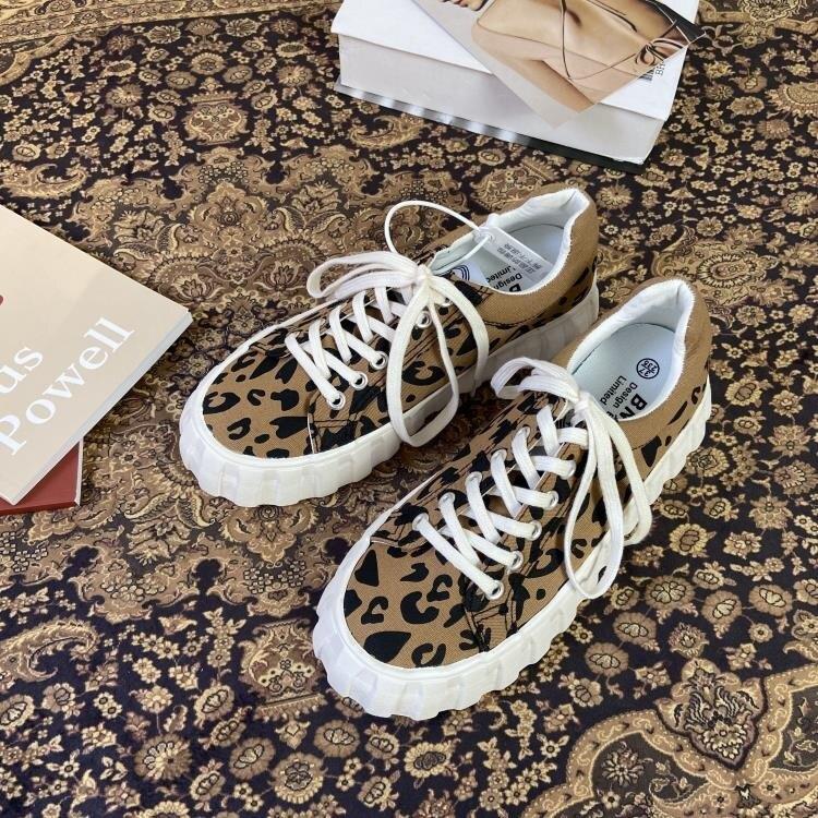 豹紋帆布小白鞋女ins潮2021年新款復古韓版百搭厚底大頭板鞋 果果輕時尚