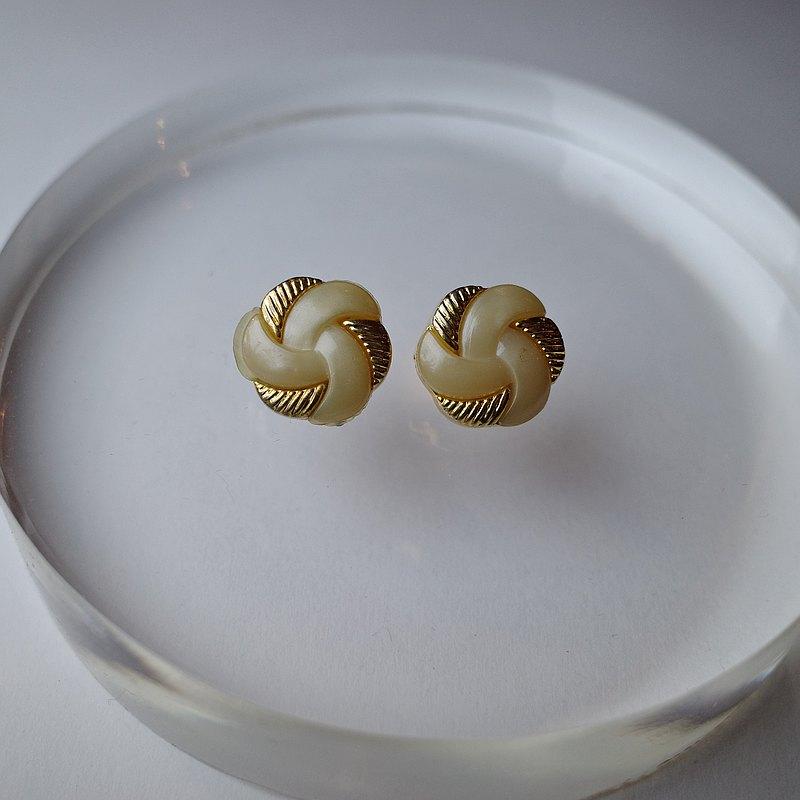 Pills 香草冰淇淋 古董鈕扣