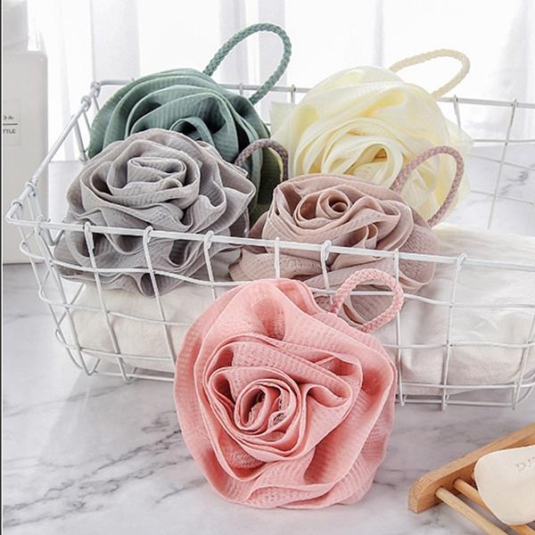 玫瑰沐浴球 一入 顏色隨機 玫瑰造型搓澡巾 洗澡球【小紅帽美妝】