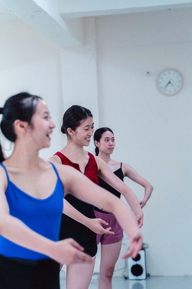 成人芭蕾 (零基礎班) x 我的第一堂芭蕾課 ( 體驗課程 )