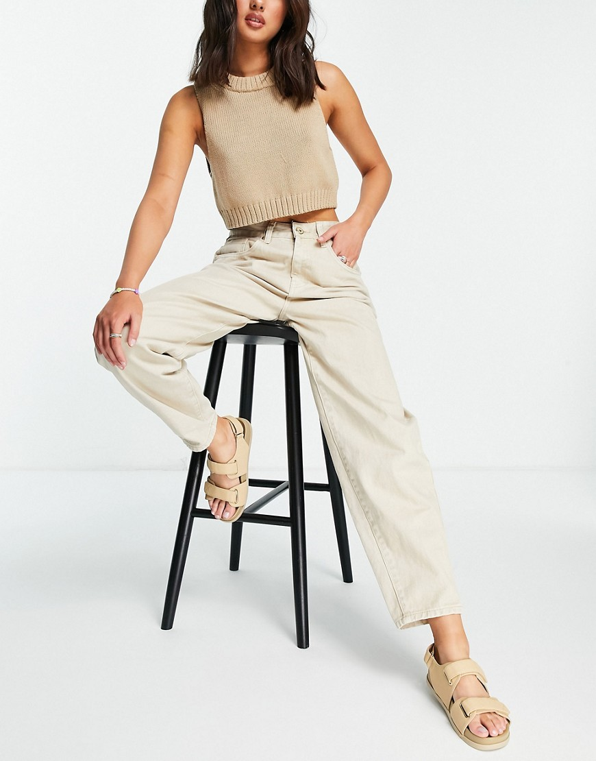 Cotton: On high rise mom jean in sand-Brown