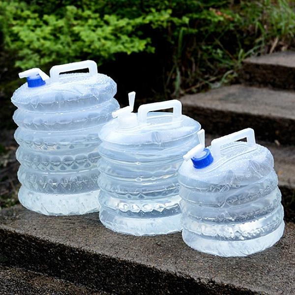 折疊水桶 摺疊水桶 儲水桶 5L 水袋 手提 伸縮水袋 戶外 蓄水 PE壓縮式水袋【J048】生活家精品