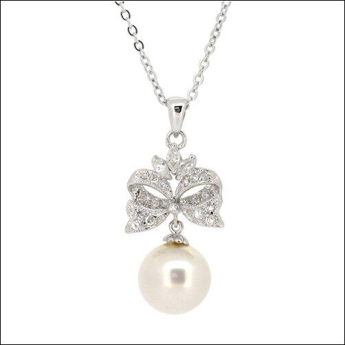 Lavina 秘密花園珍珠系列墜飾  緞帶白珍珠項鍊墜飾  /合成珍珠鑲石