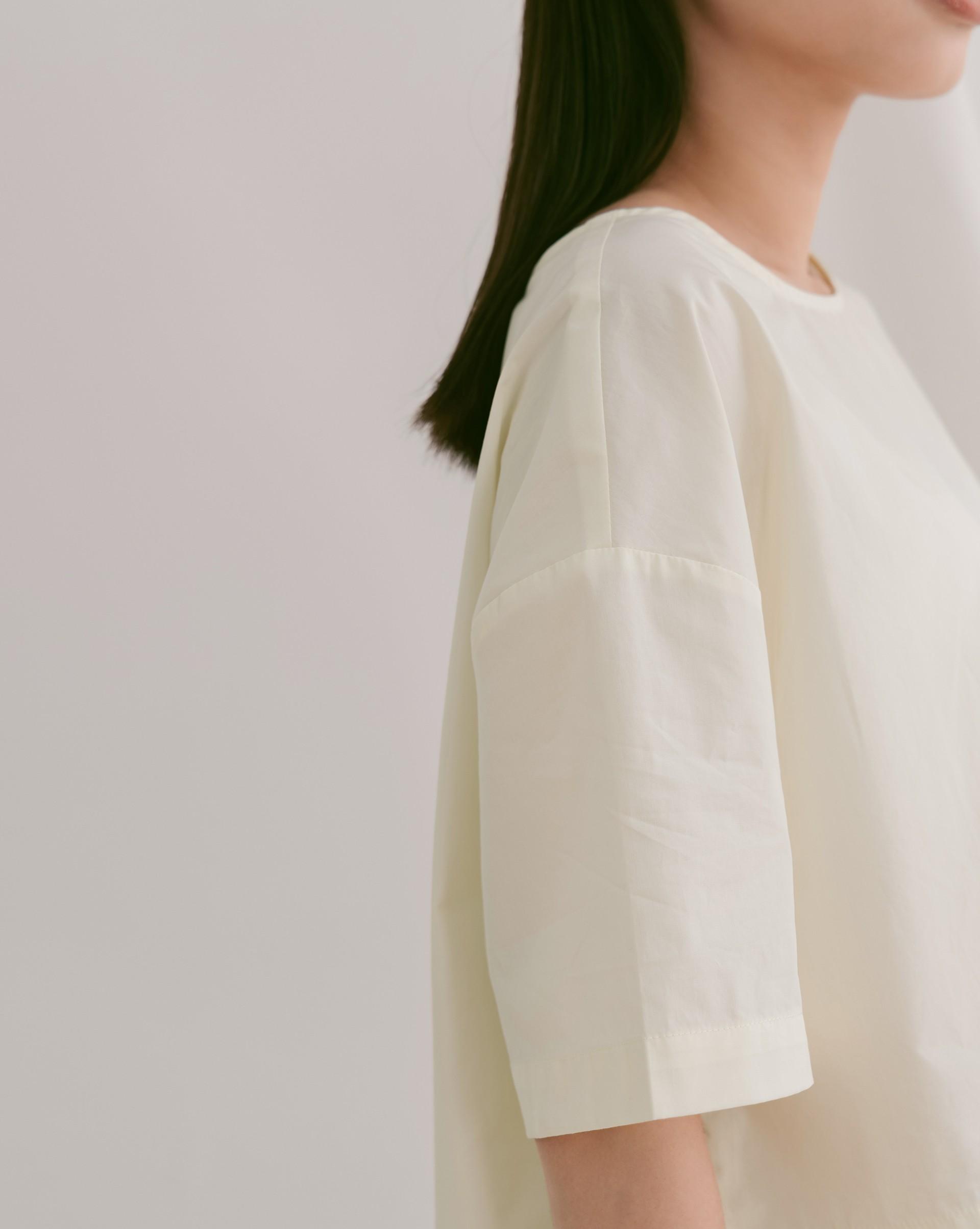 側開衩棉質短袖上衣-Meierq