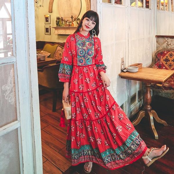 度假洋裝 旅遊 長裙云南麗江旅行拍照紅裙民族風重工刺繡大擺度假連身裙NE603韓衣裳