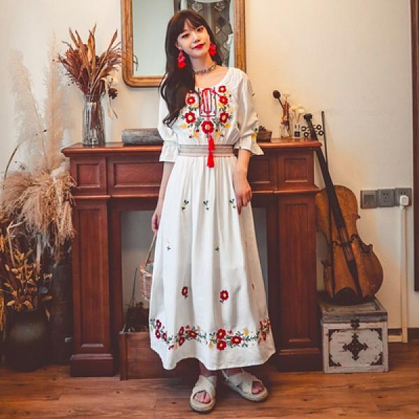 民族風度假洋裝 長裙波西米亞民族風旅游度假刺繡連身裙兩色NE603韓衣裳