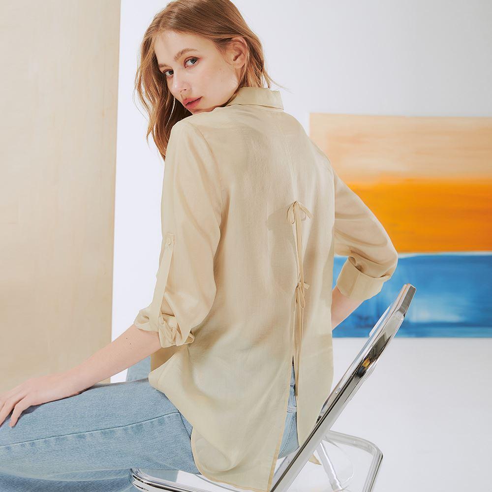 OUWEY歐薇 萊賽爾純色後背造型長版襯衫(杏)3211084010
