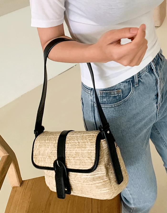 韓國空運 - Buckle Rattan Shoulder Bag 肩背包