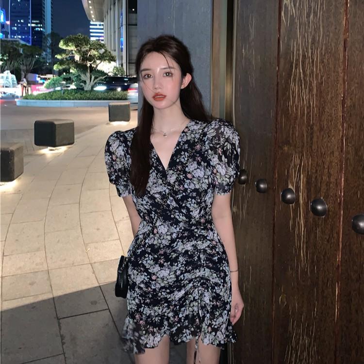 韓國鬼馬系列酷酷鶯尾很颯的抽繩修身收腰性感 碎花連衣裙 短袖洋裝 短款連衣裙 抽繩洋裝