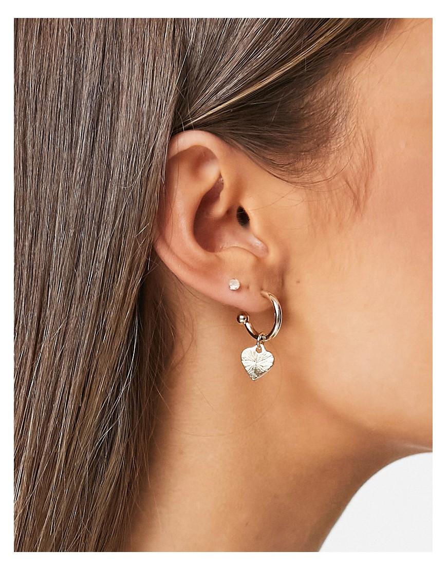 Bloom & Bay small hoop heart earrings-Gold