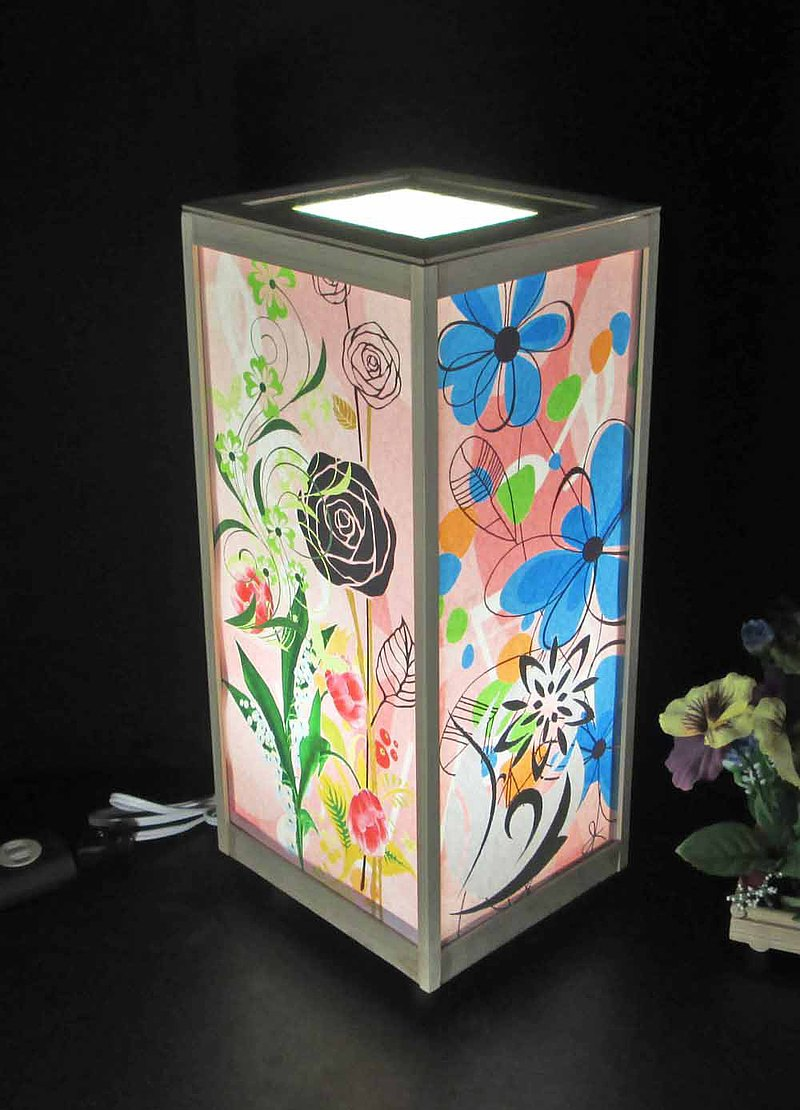 Tengi未縫製的花瓣圈舞蹈晚間LED,白色柏木框架構造神秘的光芒!