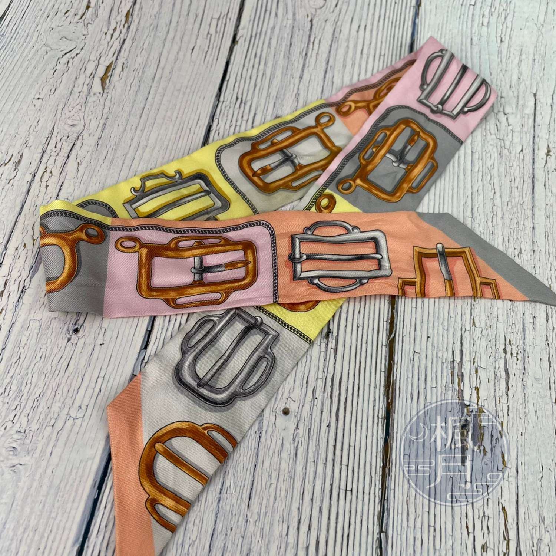 BRAND楓月 HERMES 愛馬仕 粉紅色 粉色系 皮帶釦圖樣 TWILLY 長條絲巾 領巾 包包配件