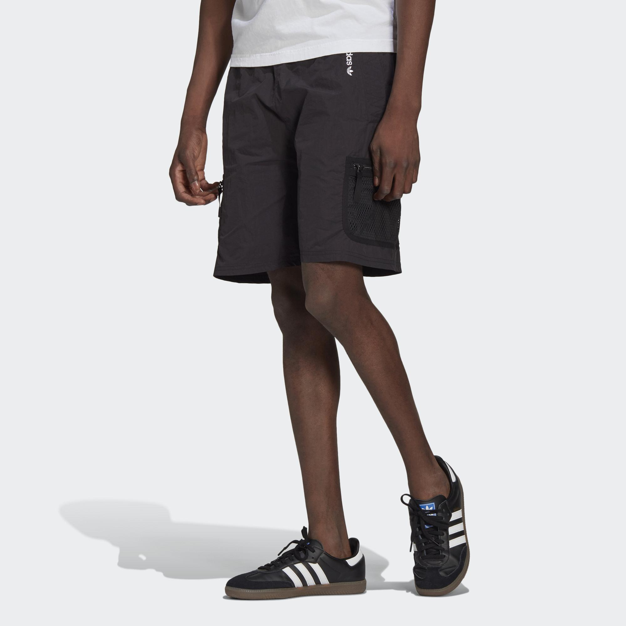 ADVENTURE 運動短褲