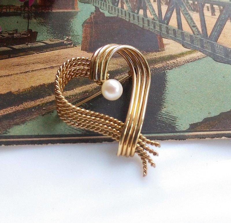 愛心 珍珠 別針。西洋古董飾品