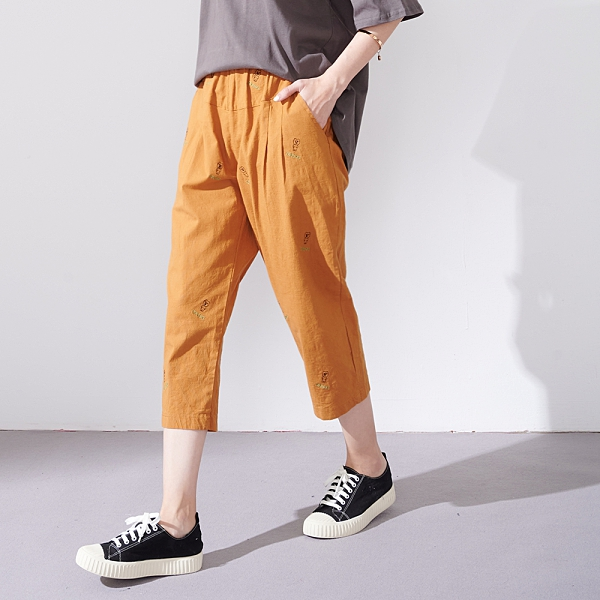 【慢。生活】小熊繡線寬管九分褲 13069  FREE 黃色