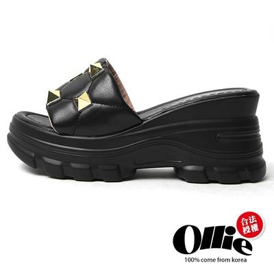 Aviator韓國空運-搖滾鉚釘皮革厚底舒壓飽和色系涼拖鞋-黑-OLLIE預購+現貨
