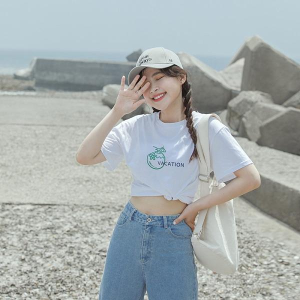 Queen Shop【01038867】夏日度假椰子印圖短袖T 兩色售*現+預*