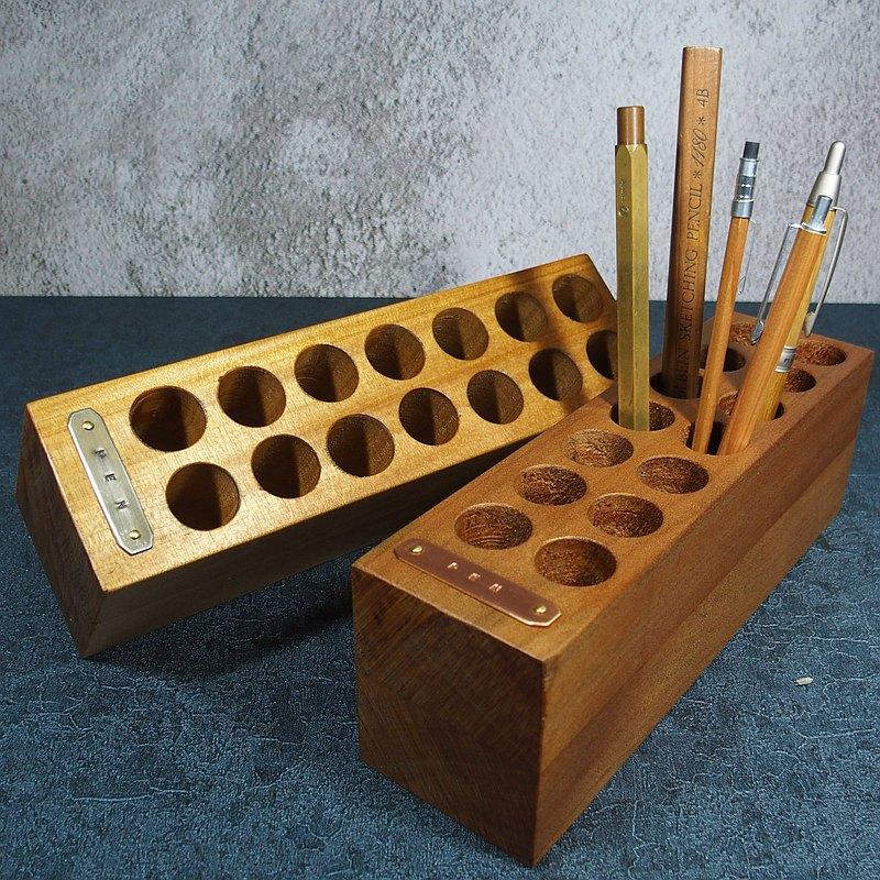 索羅門檜木筆筒 PEN