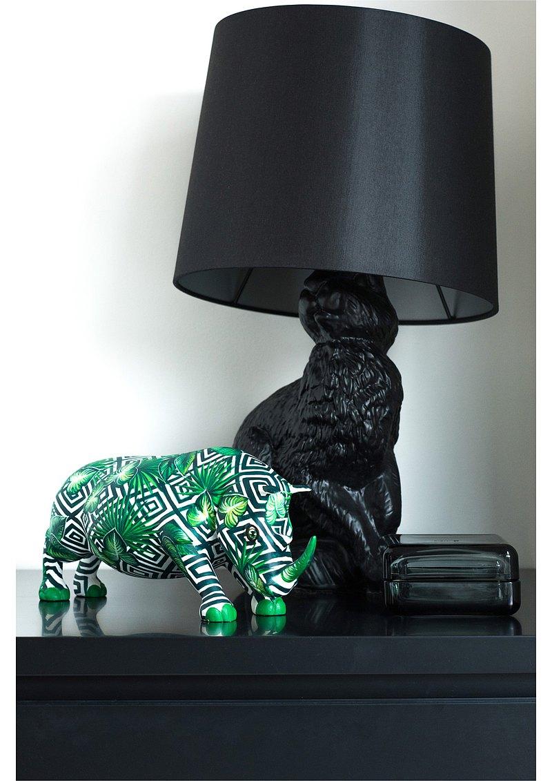 手繪犀牛雕像,手工樹脂工藝品作為家庭裝飾,禮品,收藏品。