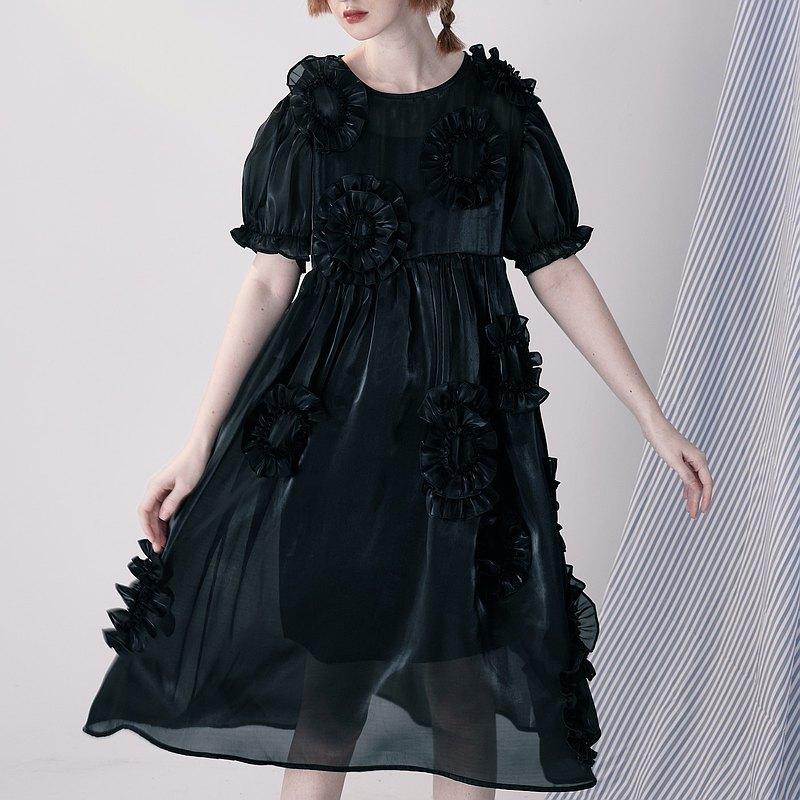 黑色漣漪洋裝 / 連身裙 大花 公主袖