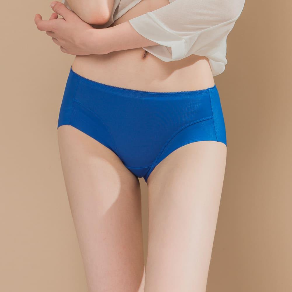 Clany可蘭霓 無痕透氣超健康竹炭包臀中腰M-XL內褲 狂放湛藍 2156-55