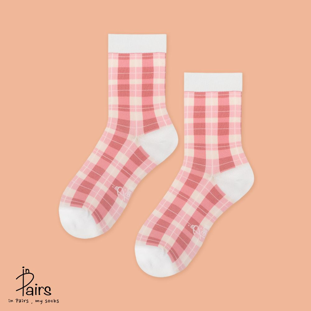 【in Pairs】英倫復古格紋中筒襪-粉紅M