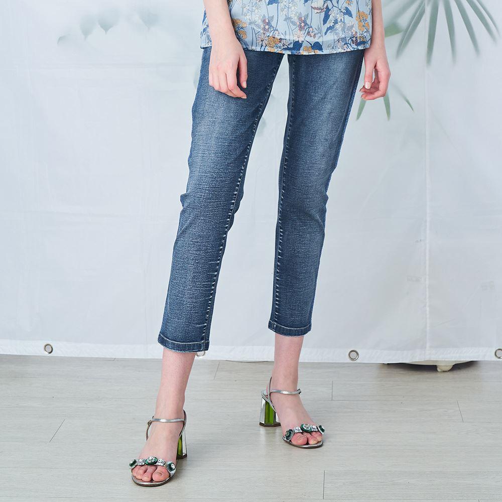 ILEY伊蕾 刷白燙鑽牛仔直筒褲(藍)033613