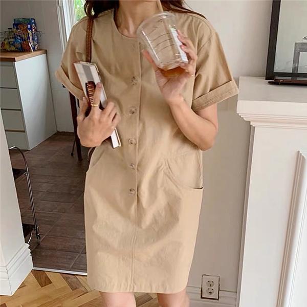 洋裝 韓系度假風復古圓領單排扣雙口袋寬鬆連身裙 花漾小姐【預購】