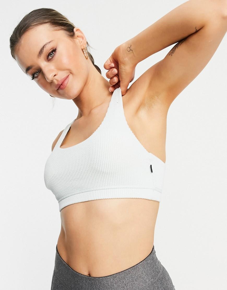 Cotton: On strappy sports bra in mint-Blue